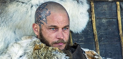 Travis Fimmel à l'affiche de Raised by Wolves
